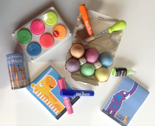 Non toxic, vibrant, large colour tools for the 2 to 4 years old